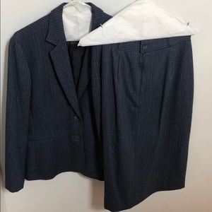 Villagio Sport vintage blazer and skirt